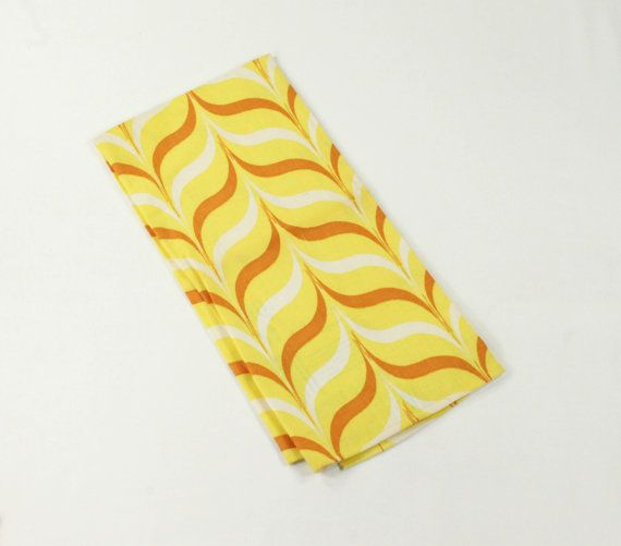 Martex Towel - Mid Century Geometric Graphics Printed Towel - MCM Sunflower Yellow, White, Tan Bracket Design - Dry Me Dry - MWT Mint w/Tag