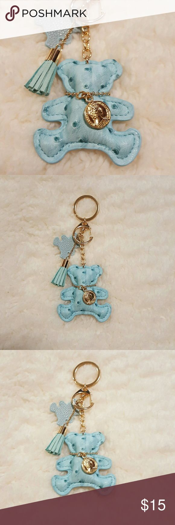 Key Chain FOB Bear Purse Charm Light Blue Brand New. Key Chain Charm FOB Gold Plated Link  • As Always from a clean , pet and smoke free environment  • Always Immediate Shipping Within 1 Business Day Excludes Weekends  • Always Immediate resolutions to any and all issues problems or inquiries • Please Check out My Other items For sale.  • Positive Feedback is Always Awesome and Greatly Appreciated Accessories Key & Card Holders