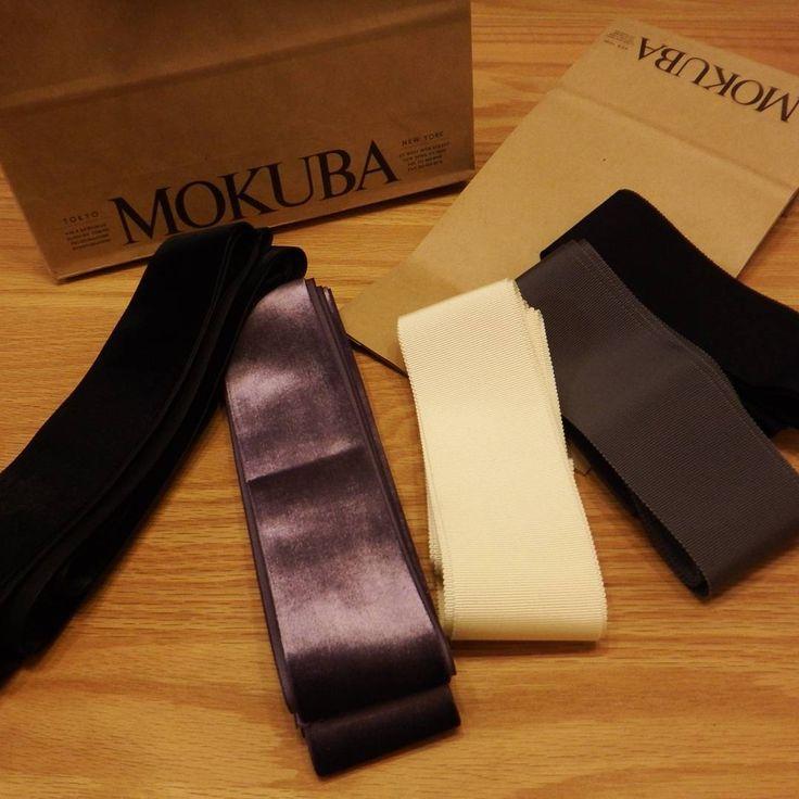 「MOKUBA 平日限定に負けて選べず気になった5本全部買ってもうた。。。 2600番馬の毛並みみたいなキレイなベルベット お気に入りです  #mokuba #木馬リボン #サッシュリボン #サッシュベルト #wedding #プレ花嫁」