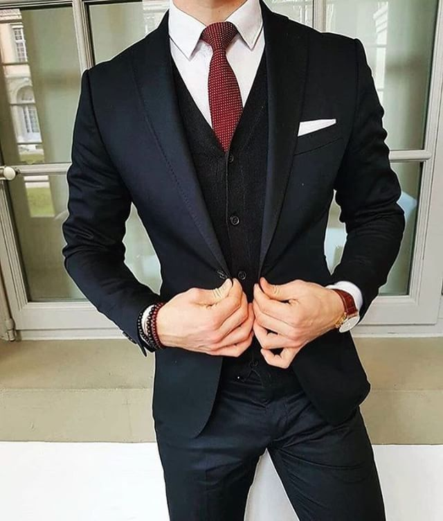 "Polubienia: 7,802, komentarze: 28 – MEN'S FASHION & STYLE (@mensfashions) na Instagramie: ""By @the_vasco  See more at  @bestofmenstyle"" #menssuit #MensFashionFormal"