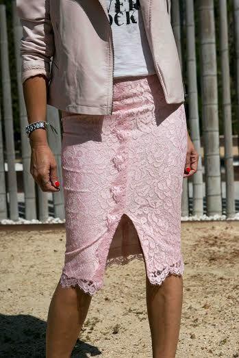 Falda tubo de encaje diseño TdeTrinuca