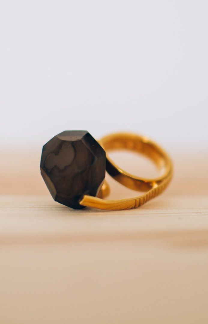 MARCEL BEDRO Jewellery. Tweezers Ring with smoked black onyx