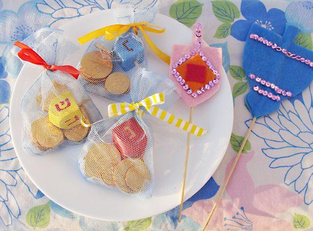 17 best images about preschool hanukkah on pinterest for Hanukkah crafts for preschoolers