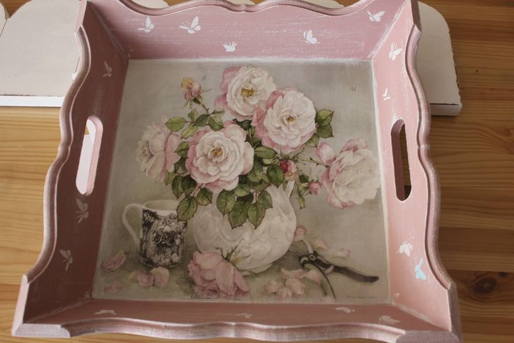 pink tray
