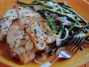 http://notjustoliveoil.com/2013/08/oven-grilled-grouper-steaks-with-yard-long-string-beans/#