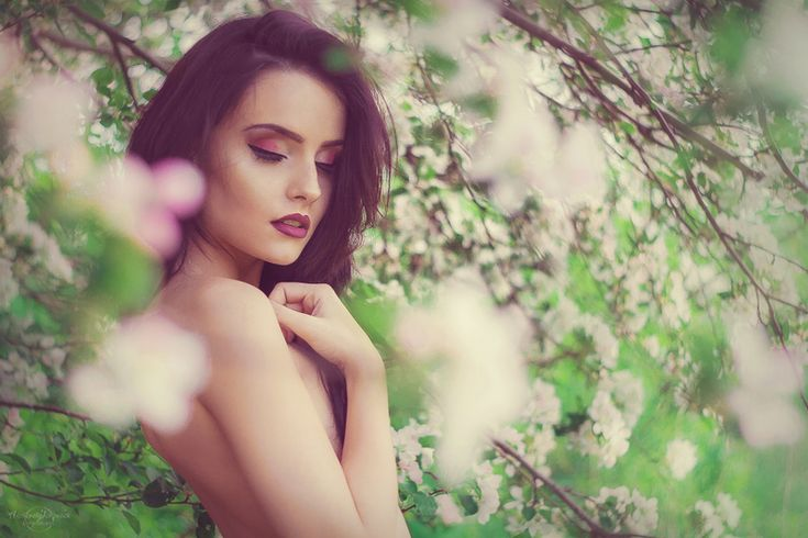 Agnieszka Juroszek Photography | Model: Klaudia Kraska | model, girl, flowers,  colors, spring, portrait, delicate, beauty, nude