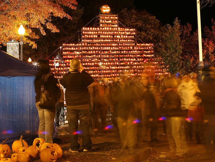 the annual pumpkin festival in keene new hampshire new england halloween traveldk - Halloween New Hampshire