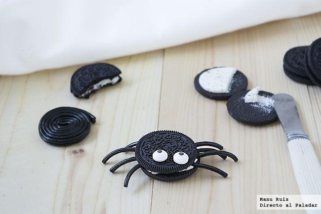 Arañas hechas con galletas de chocolate.