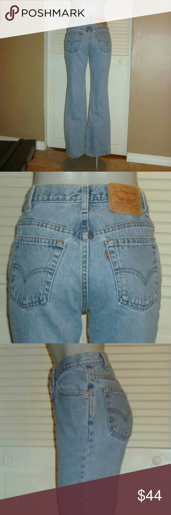 """Vintage Levis 517 Blue Slim Fit Boot Cut Jeans This pair of Vintage Levi's 517 blue denim flare jeans are 29"""" around the waist, 36"""" around the hips, have a 10 1/2"""" rise and a 30 1/2"""" inseam. Levi's Jeans Flare & Wide Leg"""