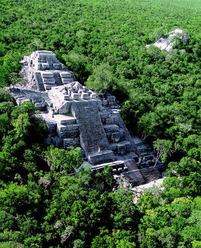 The tallest pyramid at thelarge Maya site of Calakumul 180 feet