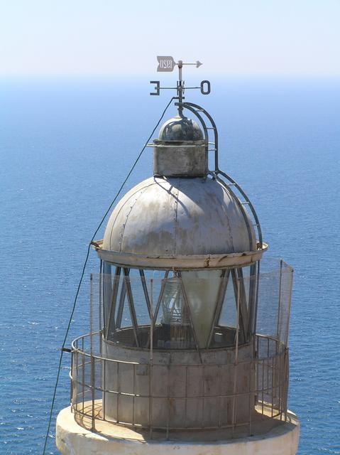 Faro de L'Albir. Detalle Luz blanca. Alfaz del Pi - Alicante