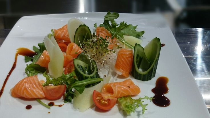 Sashimi and veggie combo,, :-)
