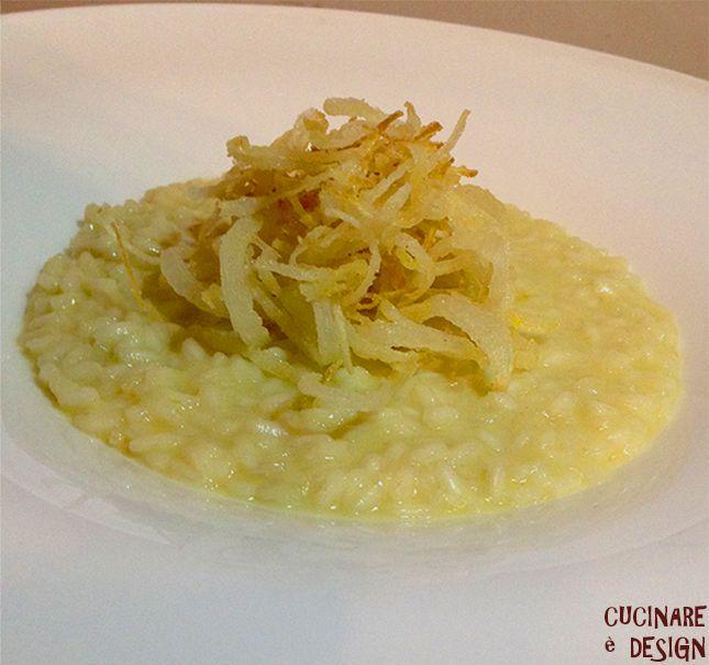 Risotto pane, cipolle e cacio. Vedi ricetta su cucinaredesign.blogspot.it