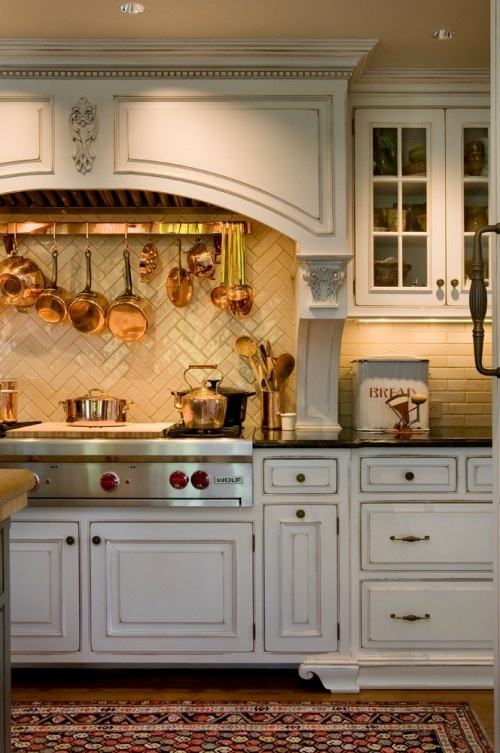 Definitely want a few glass front cabinets