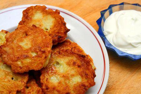 Τηγανίτες πατάτας με φέτα και δυόσμο