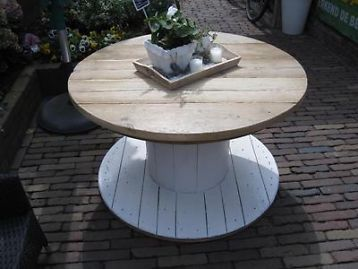 10 best images about houten haspel tafel on pinterest cable wooden spool tables and coffee tables - Grote ronde houten tafel ...
