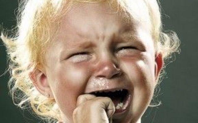 Salute bimbi: il pianto causa ansia e stress Le nostre nonne avevano dei detti saggi su questo non c'è dubbio! Ma forse non tutti erano azzeccat piangere bambino mamma stress ansia