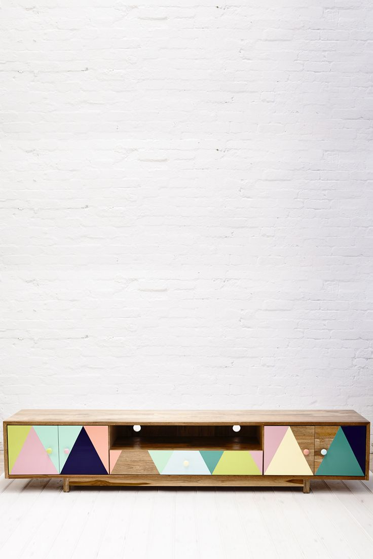 Recycled timber unit with geometric triangle pattern! For fashion, beauty and lifestyle posts check out Natasha Dearden's blog - http://natashadearden.com/