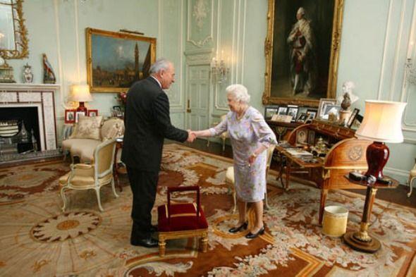 Aesthetic and Impressive Public Area Interior Design with Artistic Flooring of Buckingham Palace