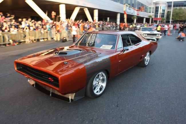 2013-sema-cruise-dodge-charger-r_t-shaker-050