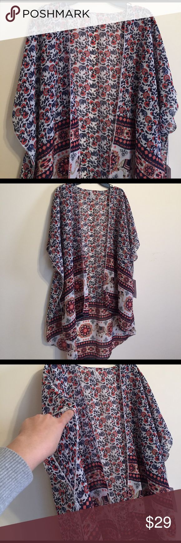 ✨Removing in 30 minutes✨Gorgeous Cover Up/Robe Incredibly gorgeous Cover Up - Similar to LuLaRoe Monroe - New with tags LuLaRoe Intimates & Sleepwear Robes