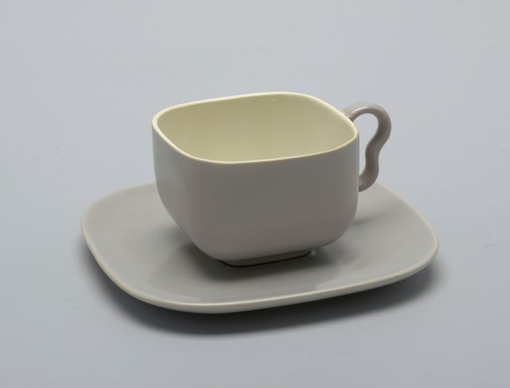 Tea cup and saucer. It was manufactured by Franciscan Ware. It is dated 1950–59