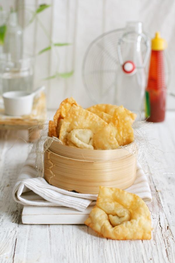 Indonesian fried wonton, pangsit goreng