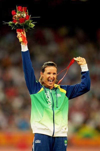 Maurren MaggiMaurren Maggi ganhou notoriedade no Pan de Winnipeg 1999, quando faturou o ouro no salto em distância. No Pan do Rio 2007, deixou novamente as oponentes comendo poeira e celebrou o bicampeonato. Experimentada, consagrou-se nos Jogos Olímpicos de Pequim 2008 ao ser a primeira brasileira a obter uma medalha de ouro em esportes individuais no principal evento poliesportivo do mundo  Foto: Getty Images