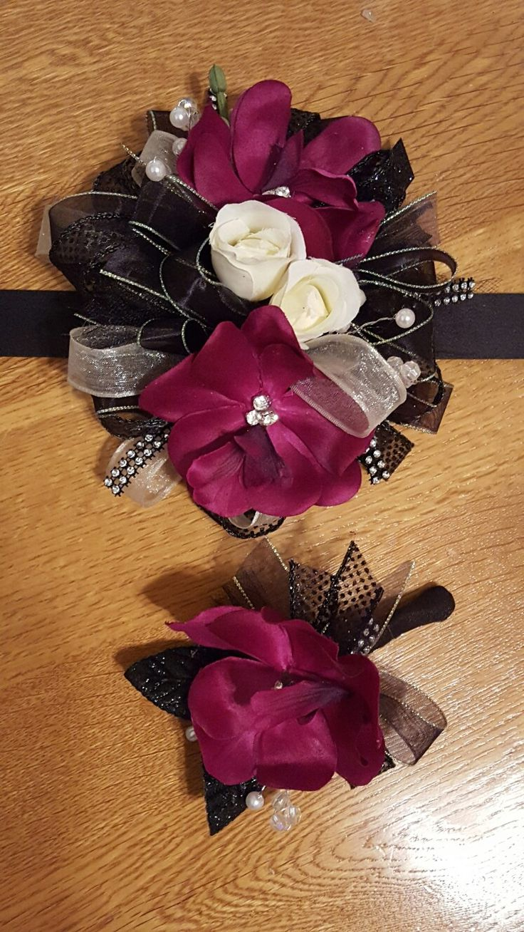 Purple and black homecoming corsage set from Hen House Designs www.henhousedesigns.net