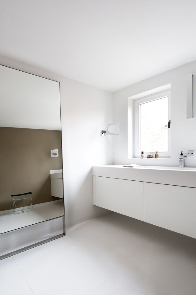 Brilliantly Simple Bathroom Design Absolutely Love The Huge Floor To Ceiling Mirror