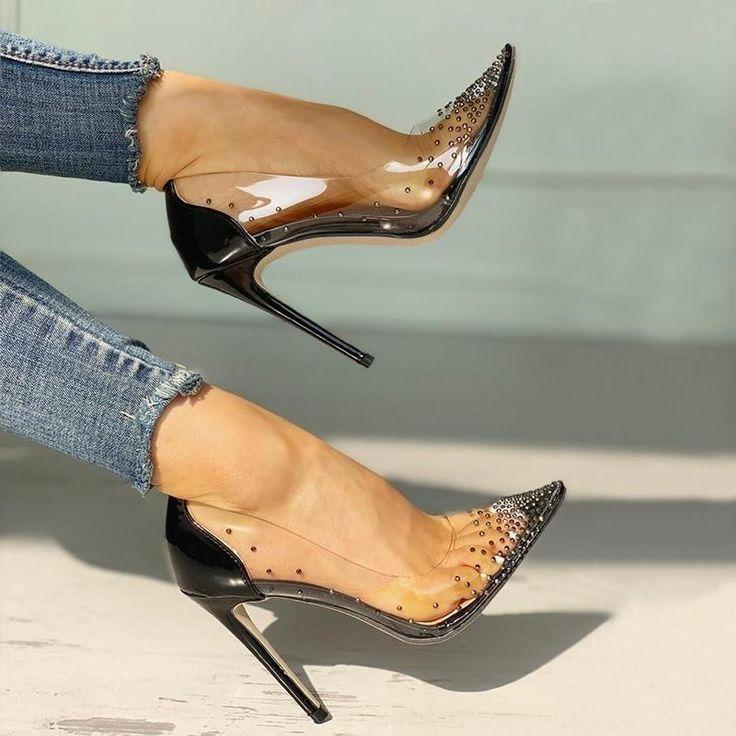 художественной литой каблук у обуви фото погодя она встает
