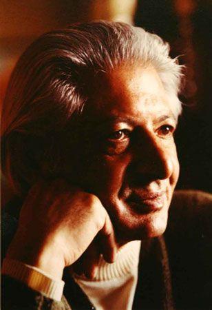از جوادی پور به عنوان یکی از نخستین پایهگذاران جنبش نقاشی نوگرای ایران تجلیل شدهاست و به همین سبب از وزارت فرهنگ وارشاد اسلامی نشان عالی دریافت کرد. آثار این هنرمند در برخی موزههای ایران و آمریکا نگهداری میشوند.