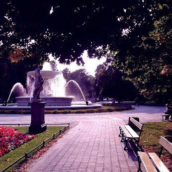 #warsaw #poland #statue #fountain #benches #park #walk