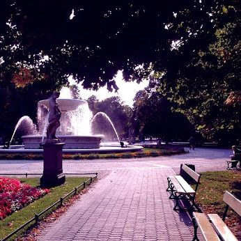 #warsaw #poland #statue #fountain #benches #park #walk