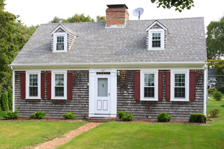 A photo gallery of the Cape Cod style house from historic colonial days to modern day pictures the diversity of this popular American home style.