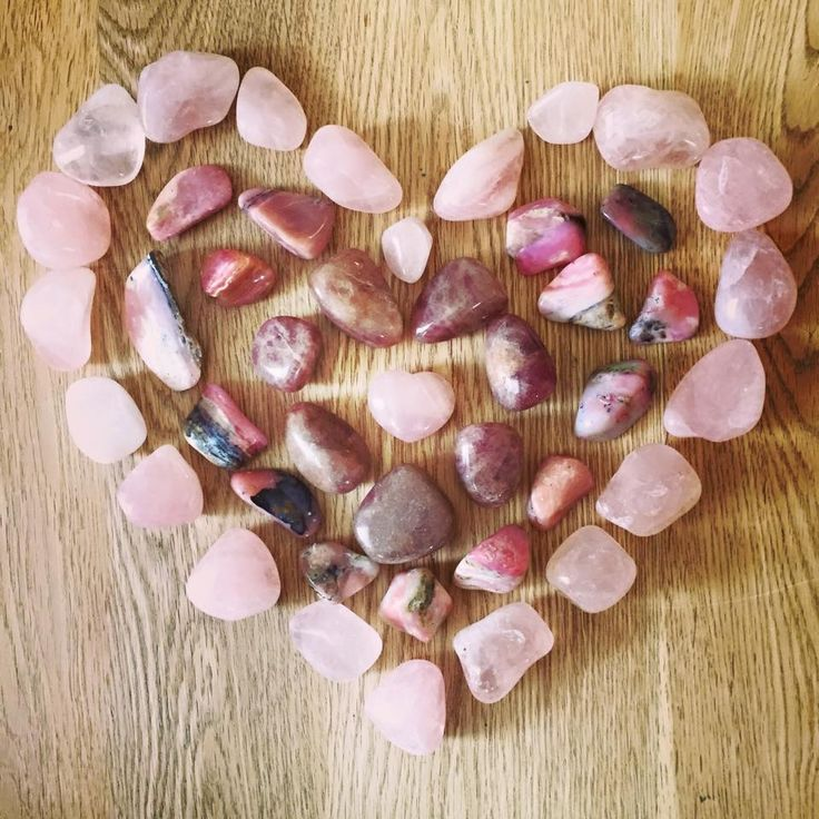 Sending you lots of Crystal Harmony Love Rose Quartz, Pink Opal & Strawberry Quartz Love energy heart grid to fill you with unconditional Love