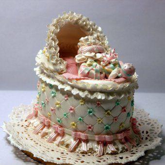 Gâteaux pour Baby Shower : le gâteau berceau
