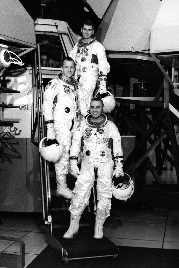 January 27, 1967. Apollo 1: Gus Grissom, Edward White, Roger Chaffee.   :(