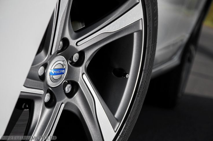 Volvo S60r-design wheel #volvo #rdesign #wheel #s60 more: http://premiummoto.pl/05/21/volvo-s60-d5-r-design-nasza-sesja