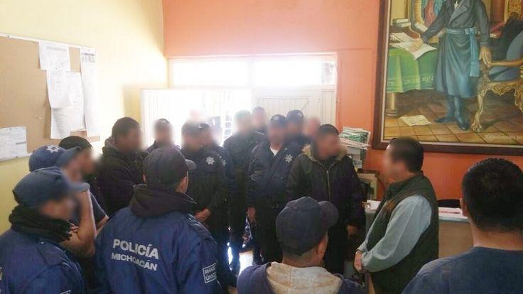 Un grupo de elementos de la Policía Municipal de Tocumbo reanudó labores este martes después de alcanzar un acuerdo con autoridades municipales, respecto a demandas de tipo laboral que vienen ...