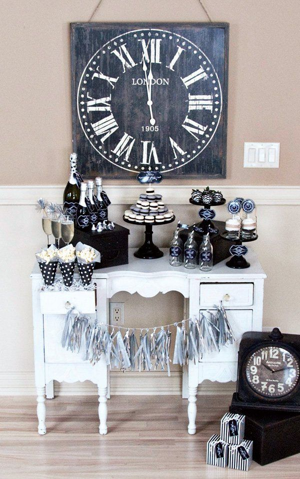 "Vintage Style ""Countdown"" Party {Classic Black & White}"