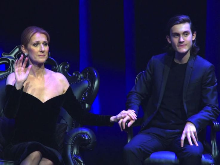 PHOTOS Céline Dion entourée de son fils et des premiers enfants de René pour lui rendre hommage - Voici