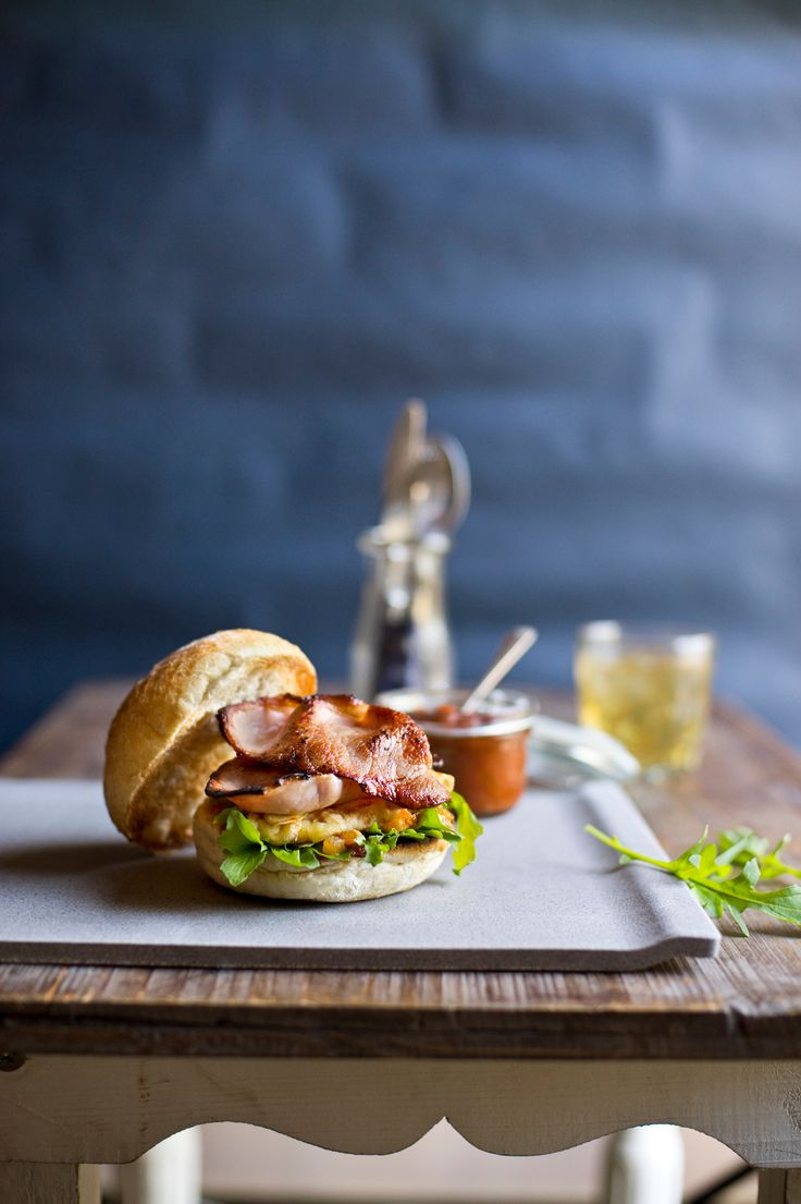 Bacon & Cheddar Omelette Breakfast Burger: Everything tastes better with bacon! Add chunks of DON®  premium bacon to this omelette recipe for a full flavour breakfast for the whole family.