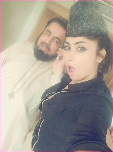 #Qandeel Baloch Scandalous Behavior Set Fire on Social Media