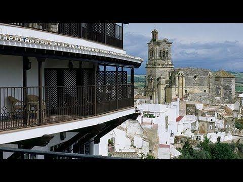 Parador de Arcos de la Frontera http://www.viajesveleta.com/oferta-hotel-parador-de-arcos-de-la-frontera-de-3-estrellas-en-cadiz-paradores-nacionales.html