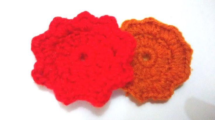 How to crochet a woolen flower.