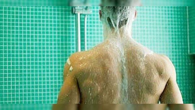 Prohibido bañarse diario: Expertos