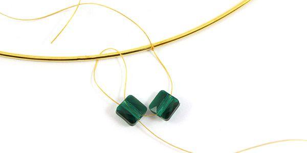 collier émeraude perles mini square Swarovski et Superduo 02