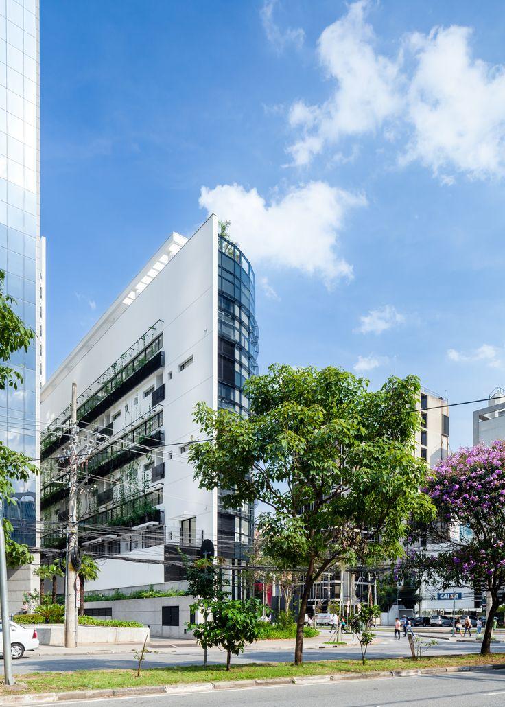 Galeria de Limited Funchal / Aflalo/Gasperini Arquitetos - 3