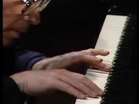 Gould plays Goldberg Variations var25